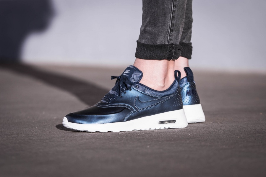 nike wmns air max thea se blau metallic 861674 002 mood 1